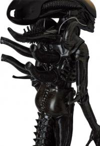 Gallery Image of Alien Big Chap Statue