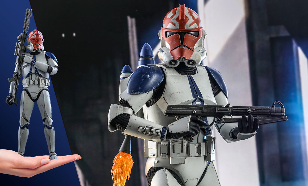 Gallery Feature Image of 501st Battalion Clone Trooper (Deluxe) Sixth Scale Figure by Hot Toys Sixth Scale Figure - Click to open image gallery