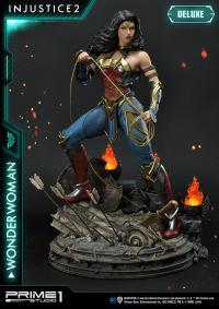 Gallery Image of Wonder Woman (Deluxe Version) Statue