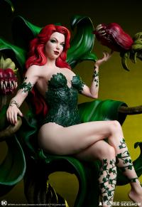 Gallery Image of Poison Ivy Maquette