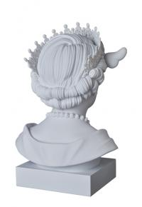 Gallery Image of Dog Save the Queen Statue