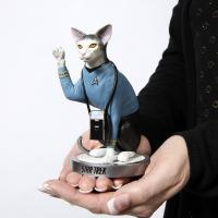 Gallery Image of Spock Cat Statue