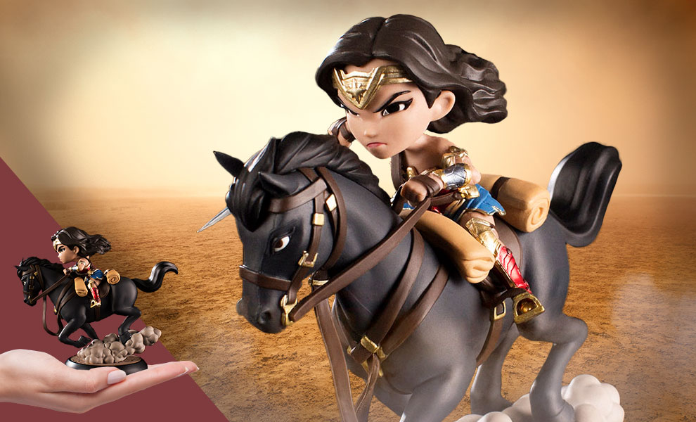 Gallery Feature Image of Wonder Woman Q-Fig MAX Collectible Figure - Click to open image gallery