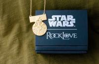 Gallery Image of Medal of Yavin Necklace Jewelry