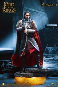Gallery Image of Aragorn 2.0 King (Deluxe Version) Collectible Figure