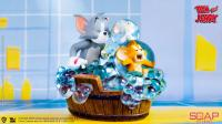 Gallery Image of Tom and Jerry - Bath Time Statue