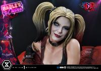 Gallery Image of Harley Quinn (Deluxe Version) Statue