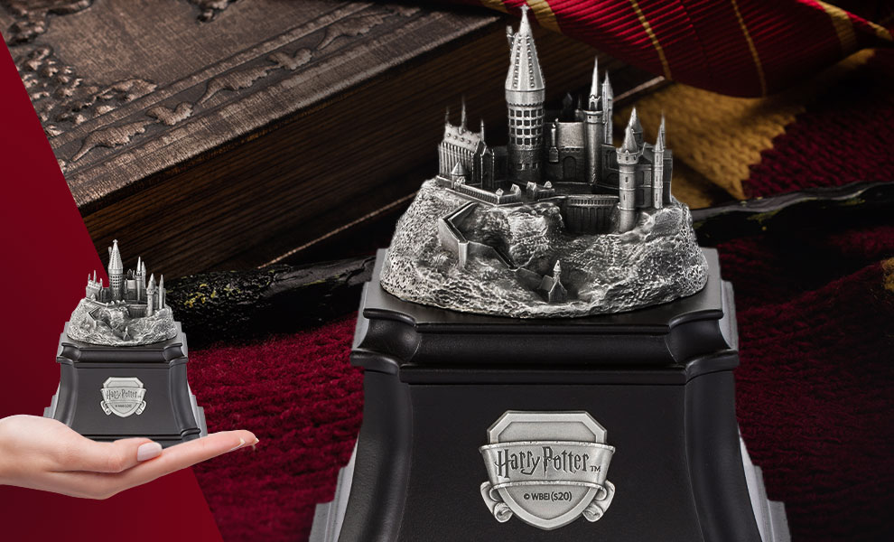 Gallery Feature Image of Hogwarts Music Box - Click to open image gallery