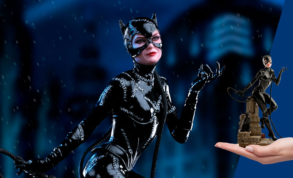 Gallery Feature Image of Catwoman 1:10 Scale Statue - Click to open image gallery