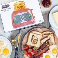 Gallery Image of Boba Fett Two-Slice Toaster Kitchenware