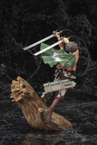 Gallery Image of Eren Yeager (Renewal Package Variant) Statue