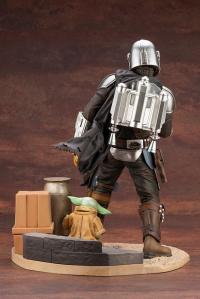Gallery Image of ARTFX Mandalorian & The Child Statue