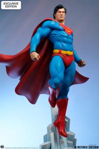 Gallery Image of Superman Maquette