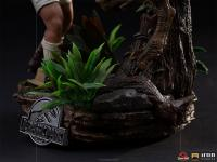 Gallery Image of Clever Girl Deluxe 1:10 Scale Statue