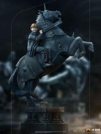 Gallery Image of Ron Weasley at the Wizard Chess Deluxe 1:10 Scale Statue