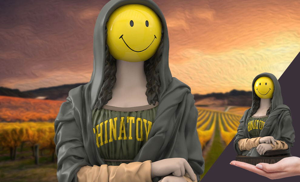 Gallery Feature Image of The Chinatown Market Smiley Mona Lisa Vinyl Collectible - Click to open image gallery