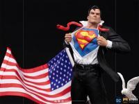 Gallery Image of Clark Kent Deluxe 1:10 Scale Statue