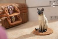 Gallery Image of Siamese Cat Statue