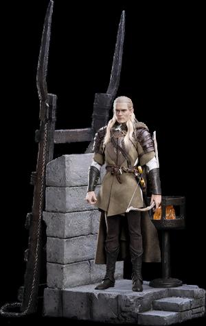 Legolas at Helm's Deep Sixth Scale Figure