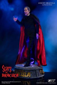 Gallery Image of Count Dracula 2.0 (DX With Light) Statue