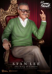 Gallery Image of Stan Lee the King of Cameos Statue