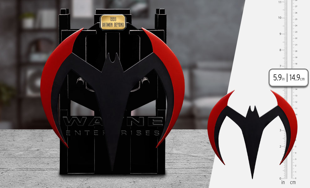 Gallery Feature Image of Batman Beyond Metal Batarang Replica - Click to open image gallery