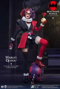 Gallery Image of Harley Quinn (Deluxe Version) Sixth Scale Figure