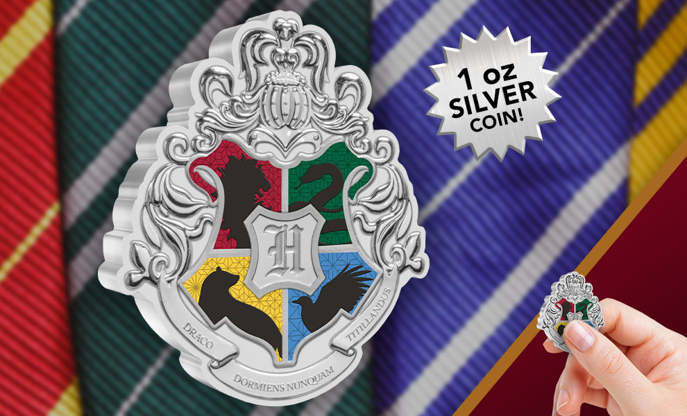 Gallery Feature Image of Hogwarts Crest 1oz Silver Coin Silver Collectible - Click to open image gallery