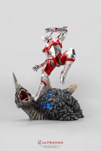 Gallery Image of Ultraman vs Black King Statue