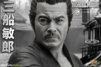 Gallery Image of Toshiro Mifune Statue