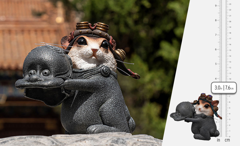 Gallery Feature Image of Teasie Beastie – Mouse Pilot (Blue Helmet) Figurine - Click to open image gallery