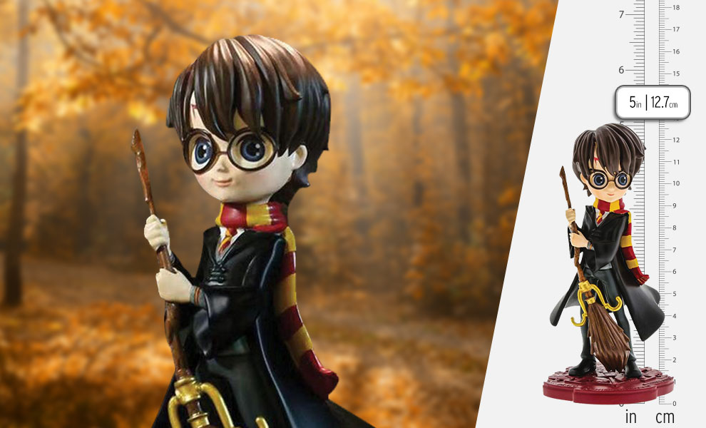 Gallery Feature Image of Harry Potter Figurine - Click to open image gallery