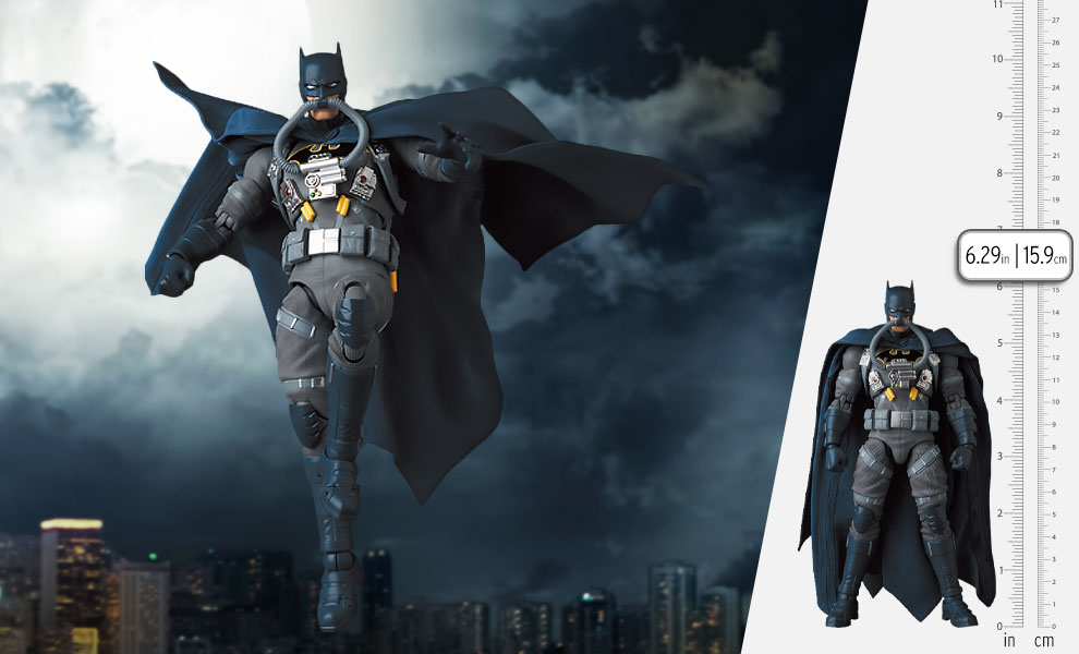 Gallery Feature Image of Stealth Jumper Batman (Hush) Collectible Figure - Click to open image gallery