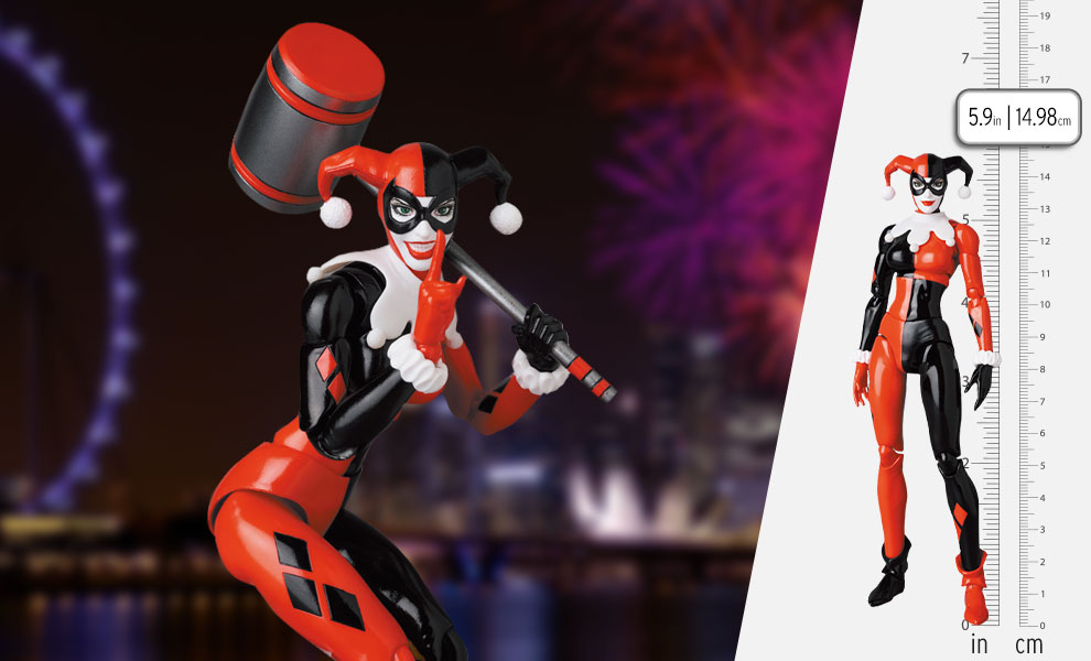 Gallery Feature Image of Harley Quinn (Batman: Hush Version) Collectible Figure - Click to open image gallery