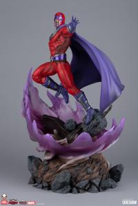 Gallery Image of Magneto (Supreme Edition) Sixth Scale Diorama