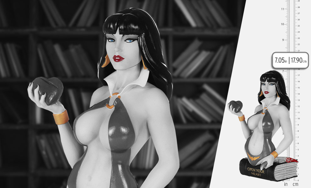 Gallery Feature Image of Vampirella (Black and White) Bust - Click to open image gallery