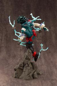 Gallery Image of Izuku Midoriya (Version 2) Statue