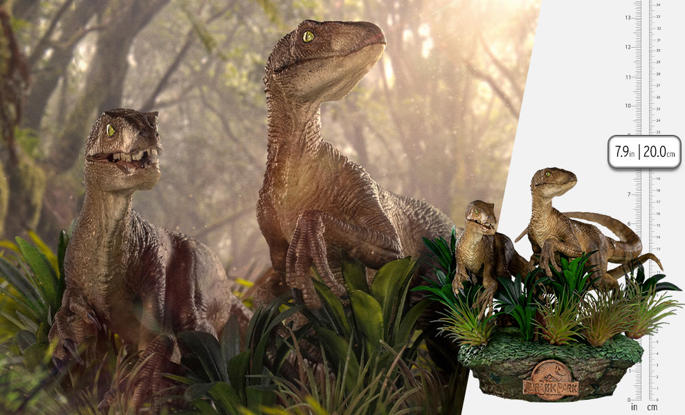 Gallery Feature Image of Just The Two Raptors Deluxe 1:10 Scale Statue - Click to open image gallery