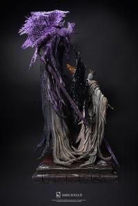 Gallery Image of Pontiff Sulyvahn (Deluxe) Statue Statue