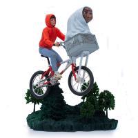 Gallery Image of E.T. & Elliot 1:10 Scale Statue