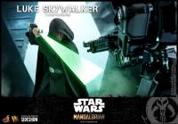 Gallery Image of Luke Skywalker (Special Edition) Sixth Scale Figure