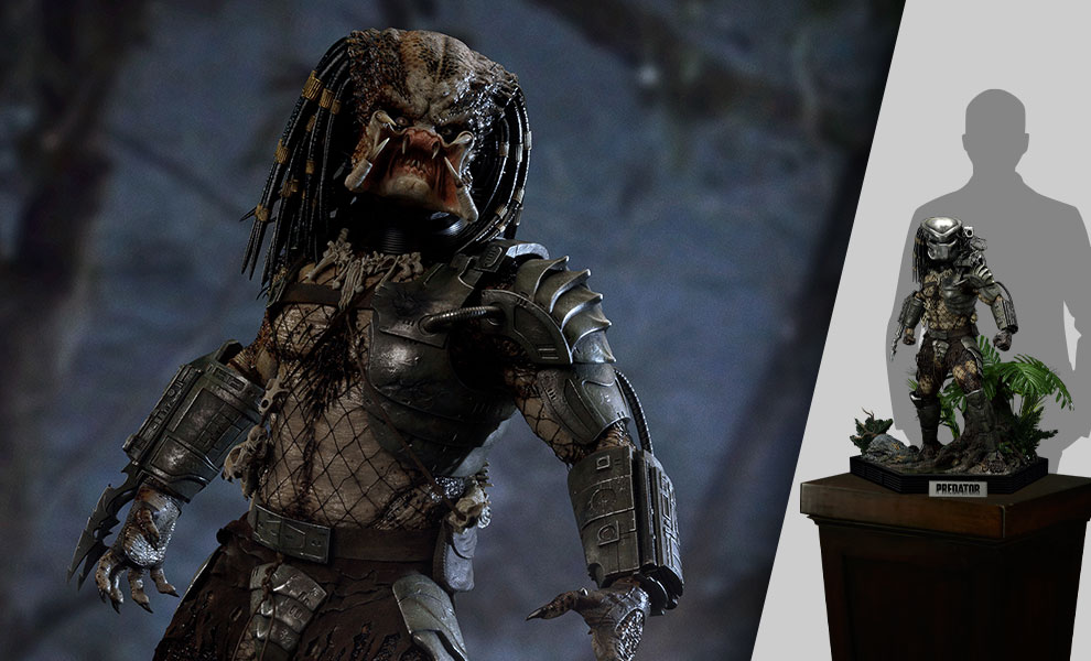 Gallery Feature Image of Jungle Hunter Predator Statue - Click to open image gallery