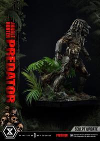 Gallery Image of Jungle Hunter Predator Statue