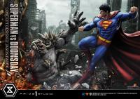 Gallery Image of Superman VS Doomsday Statue