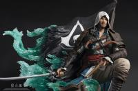 Gallery Image of Captain Edward Kenway Statue