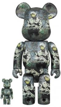 Gallery Image of Be@rbrick Riot Cop 100% and 400% Bearbrick
