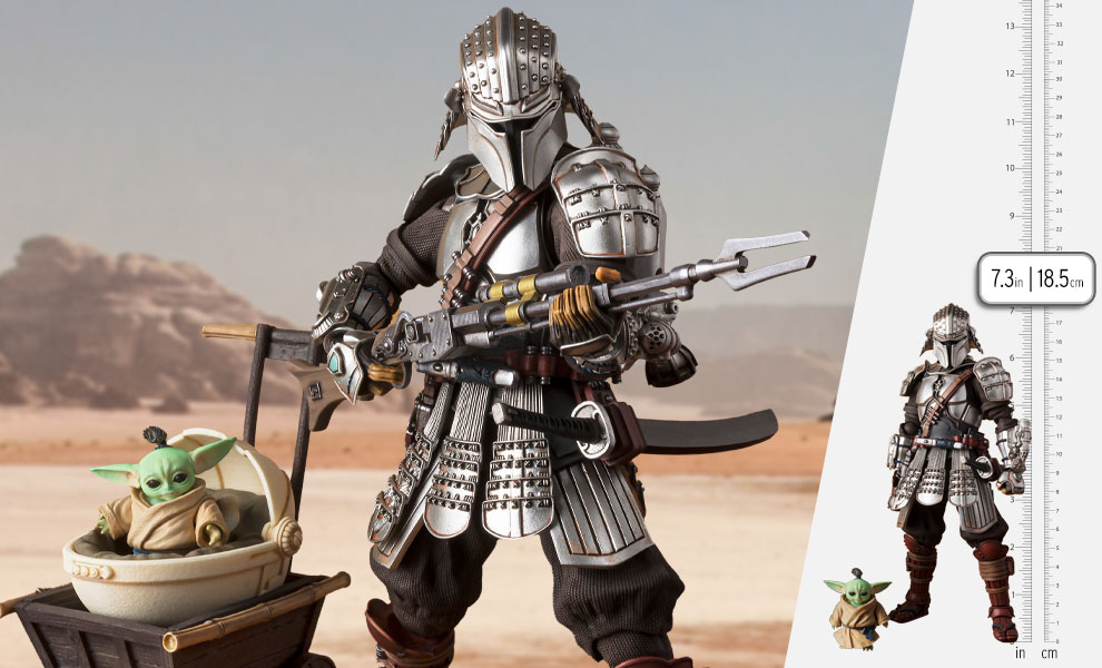 Gallery Feature Image of Ronin Mandalorian™ & Grogu™ (Beskar Armor) Collectible Set - Click to open image gallery