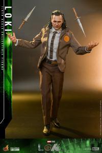 Gallery Image of Loki Sixth Scale Figure