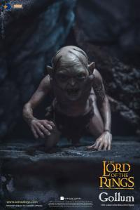 Gallery Image of Gollum Sixth Scale Figure