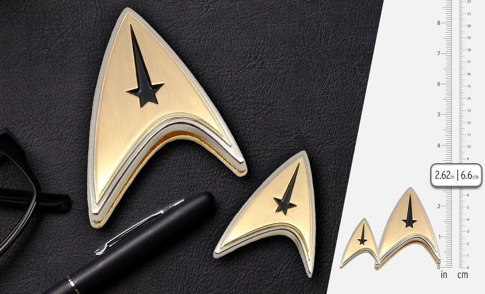 Gallery Feature Image of Enterprise Command Badge and Pin Set Prop Replica - Click to open image gallery
